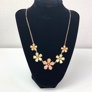 Claries Necklace - Flowers Peach/Cream/Gold